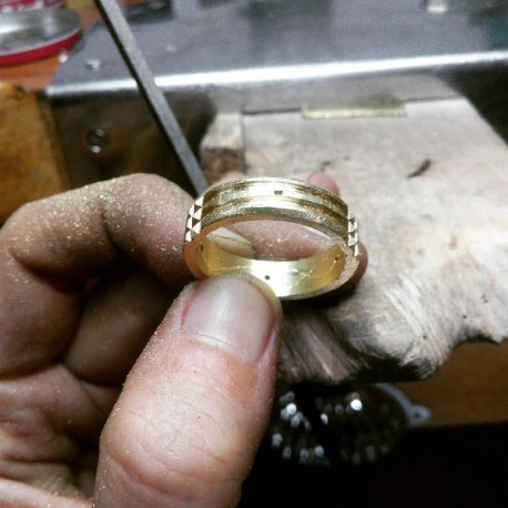 Artisan manufacturing of the Atlantis Ring 18K gold version at The MeriTomasa's Treasures Factory